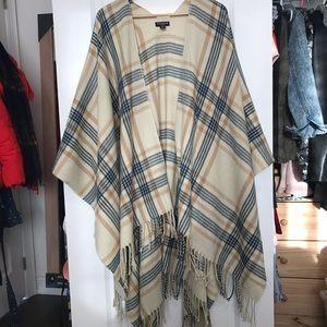 Sweaters - Camel plaid Shawl/Blanket Scarf